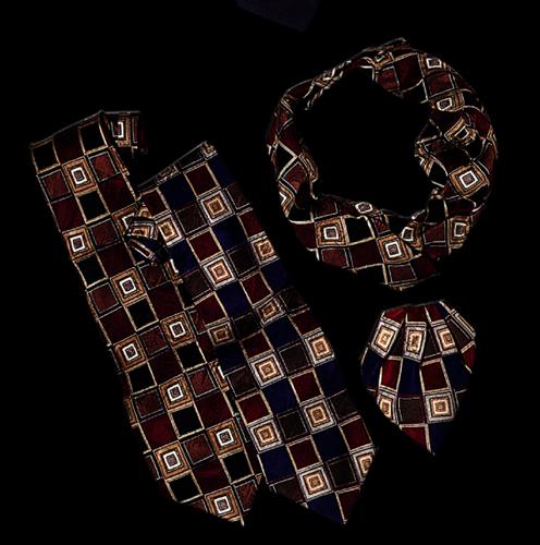 Ladies Tulip Square Pattern Bow Tie