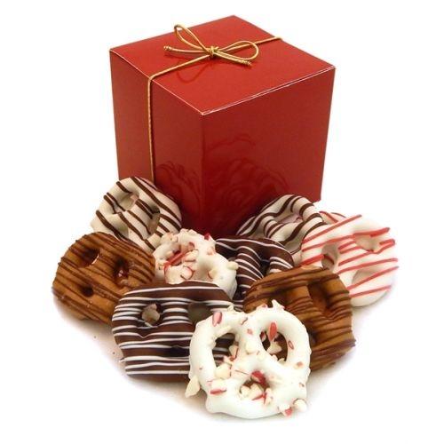 Holiday Chocolate Pretzel Grahams (12 ea) - Treat Cube